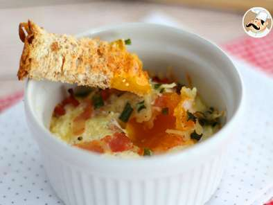 Baked eggs with bacon and chives, Photo 4