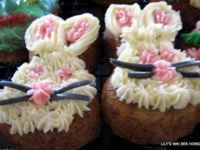 Banana And Pineapple Easter Cakes, photo 2