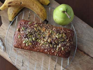 Banana Pear, date and nut cake, photo 2