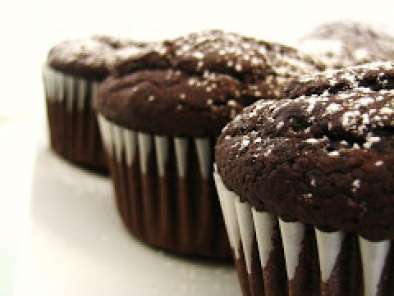 Bethenny's Molten Chocolate Cupcakes, Photo 2