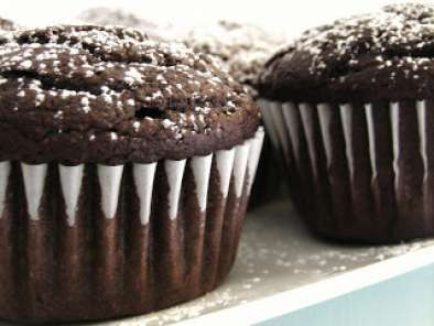 Bethenny's Molten Chocolate Cupcakes, Photo 3