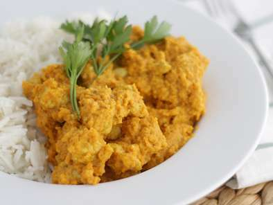 Chicken curry with coconut milk - Video recipe !
