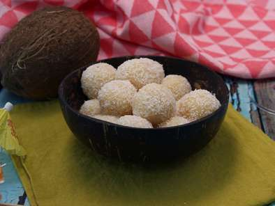 Coconut balls - brigadeiros with coconut