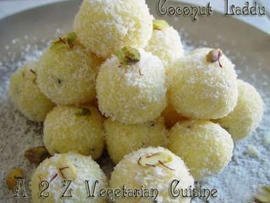 Coconut Ladoo / Sweet Coconut Balls