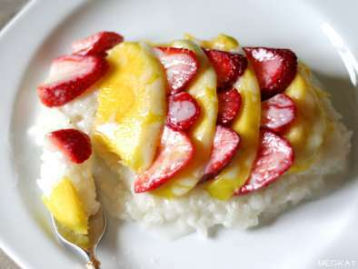 Coconut Sticky Rice with Mango & Strawberries, Photo 3