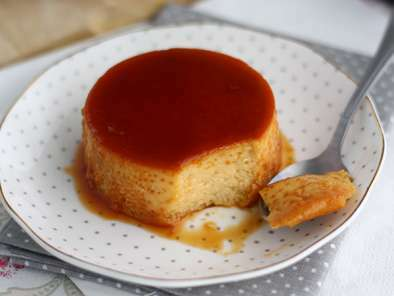 Condensed milk flan - Video recipe!