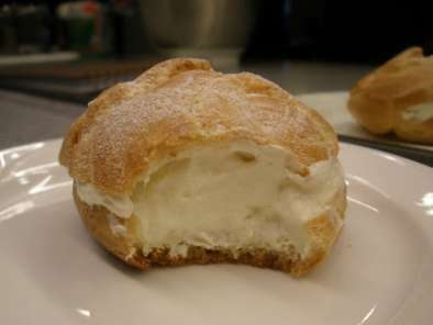 DURIAN CREAM PUFFS, Photo 3