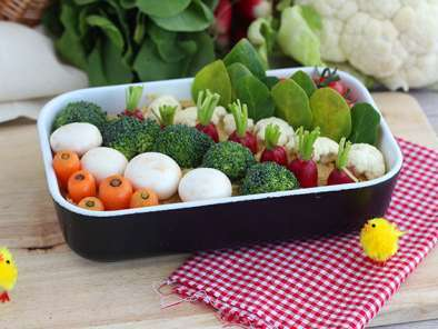 Easter vegetable garden (hummus and littles vegetables)