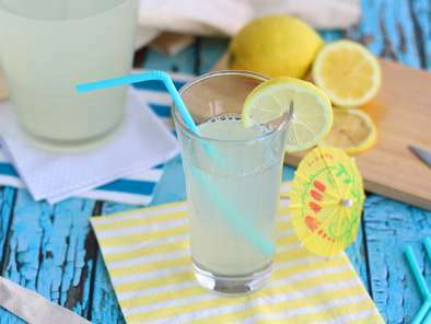 Easy homemade lemonade
