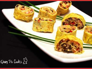 Egg Roll with many symbols for Chinese New Year, Photo 2