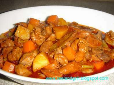 Filipino Menudo Recipe (Pork & Liver Stewed with Potato and Carrot), photo 2
