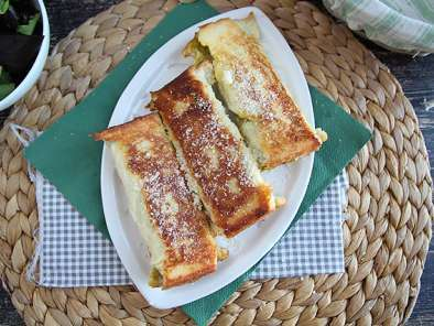 French toast rolls with pesto