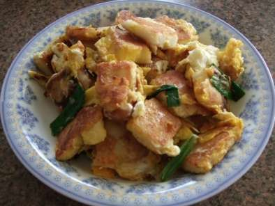 Fried Rice Cakes with Eggs (Banh Bot Chien), Photo 2