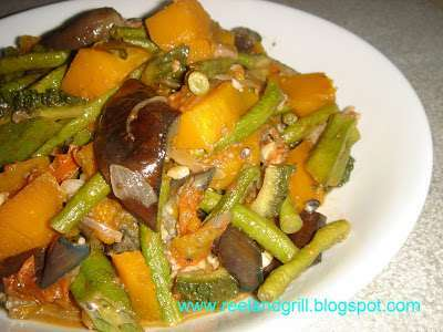 Ginisang Gulay Or Pakbet Pinakbet Tagalog Sauteed Vegetables With Fish Paste Recipe Petitchef