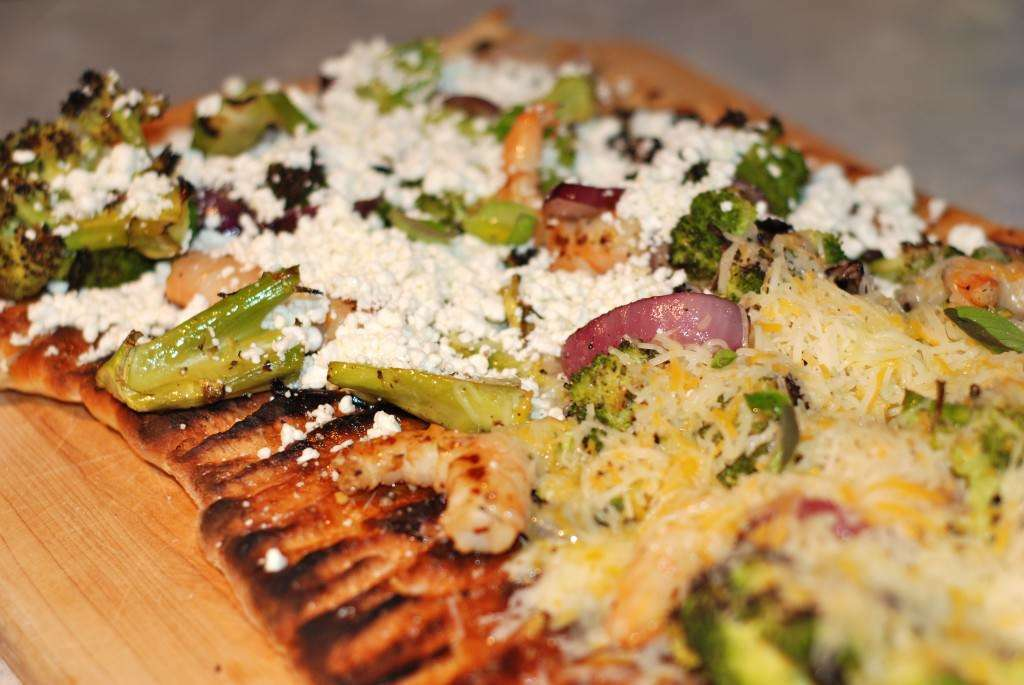 Grilled Focaccia Bread Pizza With Pomegranate Citrus Shrimp And Broccoli Recipe Petitchef