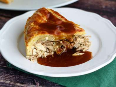 Guinea fowl pie and its gravy