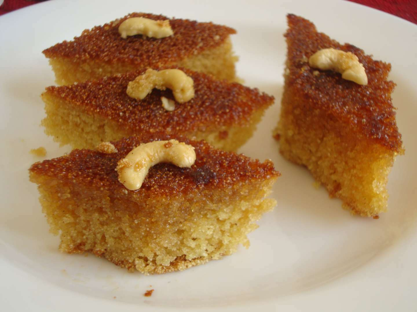 Honey drizzled semolina cake, Recipe Petitchef