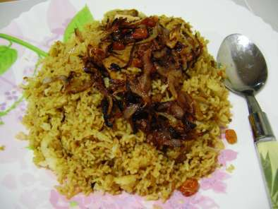 Iddiyappam Biriyani (Biriyani with steamed Rice- Noodles)