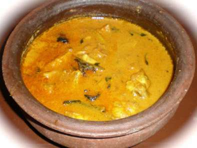 Kerala Fish Curry / Meen Curry ( with coconut paste )