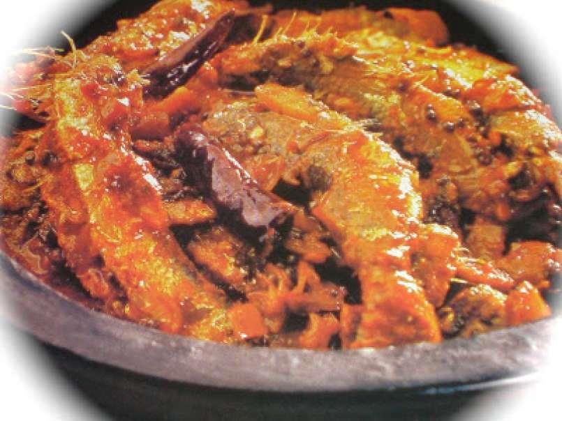 Kori ajadina ( dry chicken with coconut ) & boothai curry ...