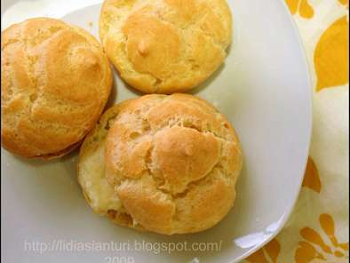 Kue Sus Isi Fla Vanili (Choux Pastry with Vanilla Filling)