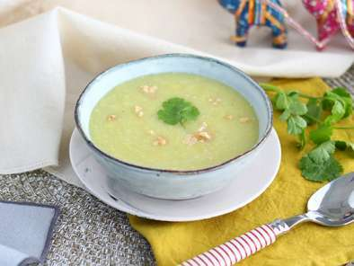 Leek, coconut and curry soup