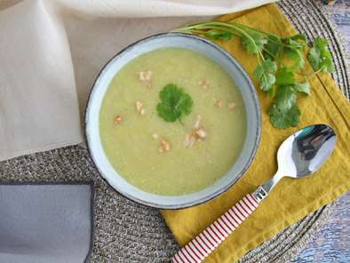 Leek, coconut and curry soup, photo 3