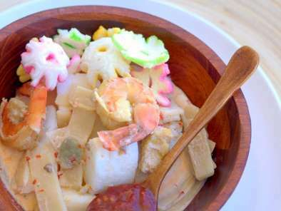 Lontong Sayur - Indonesian Cooked Vegetables in Coconut Milk with Rice Cake