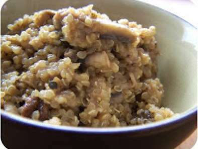 Pan roasted chicken with mushroom quinoa risotto, Recipe Petitchef