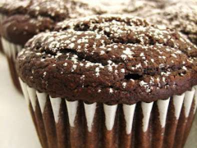 Bethenny's Molten Chocolate Cupcakes
