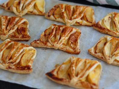 Express apple turnovers - Video recipe!