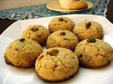 Naankhatai (Cardamom flavoured Indian Cookies)