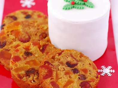 Pacific Christmas Cake with Tropical Fruit & White Chocolate