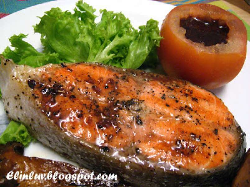 Pan fried salmon steak with red wine sauce, Recipe by Elinluv ...