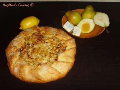 Pear and Blue Cheese Crostata with Honey and Almonds, Photo 2