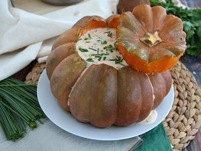 Pumpkin with shrimps - The Brazilian Camarão na moranga
