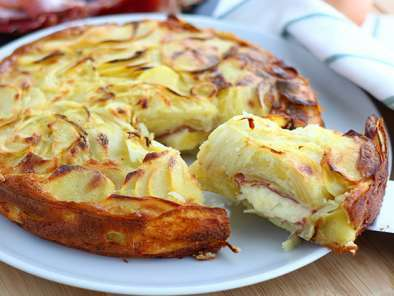 Raclette and potatoes cake - Video recipe!