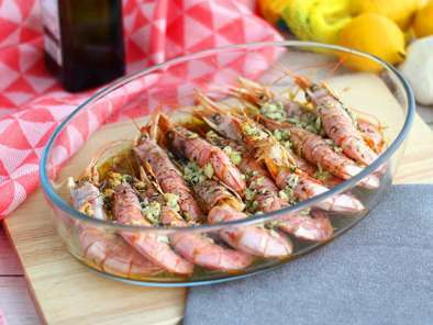Roasted prawns with garlic and herbs