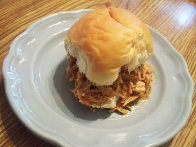 Shredded Turkey in Gravy Sandwiches (Crock Pot)