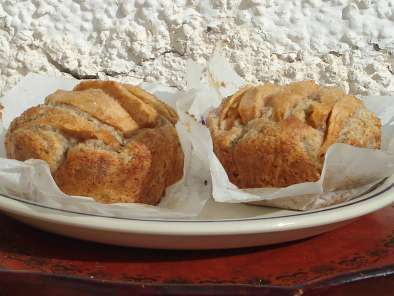 Small fascinating apple hazelnut cakes
