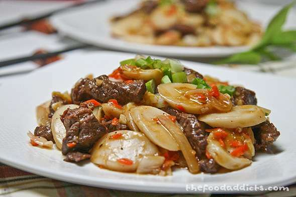 Stir Fried Rice Cakes With Rib Eye Chao Nian Gao Recipe Petitchef