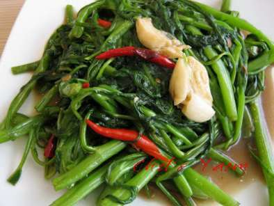 Stir-fried Water Spinach with salted soya bean