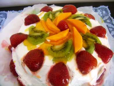 Vanilla cake with Whipped Cream and Fresh fruit frosting