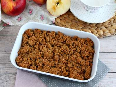 Vegan and gluten free apple crumble