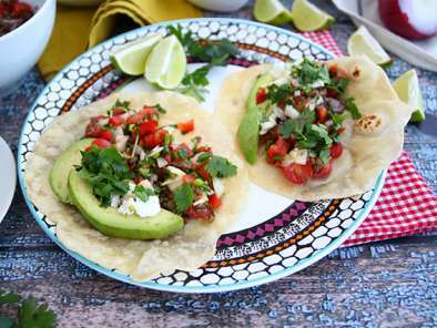 Vegetarian tacos with lentil salad