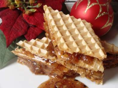 Wafer Cookie filled with Almonds and Figs