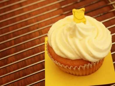 When you find lemons in your fridge, make lemon cupcakes!, Photo 4