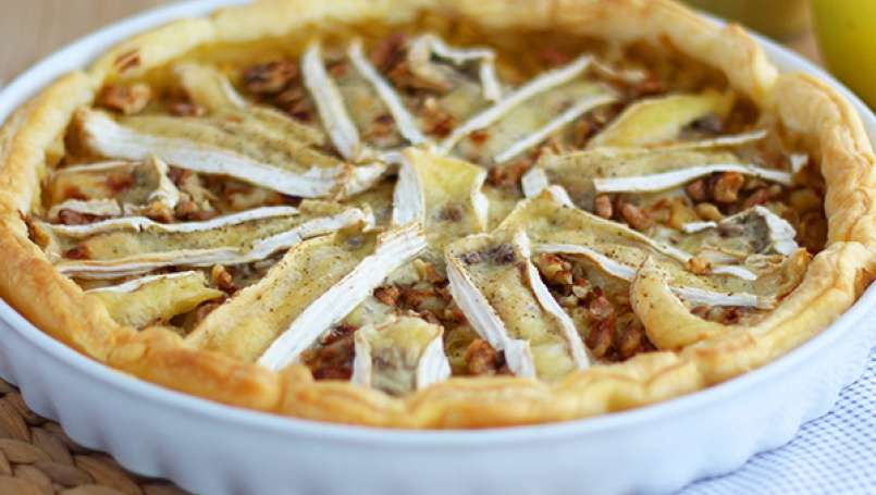 Camembert and apples tart - Video recipe !