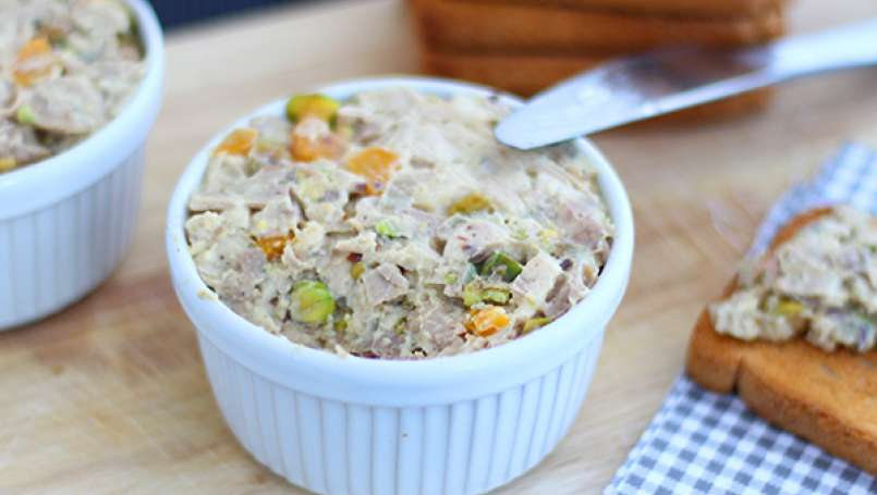 Chicken pate with pistachios - Video recipe !