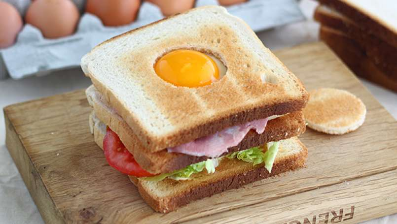 Club Sandwich with an egg - Video recipe!